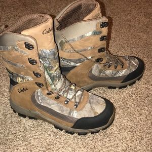 Men's Cabela's gortex lined hunting boots 12D